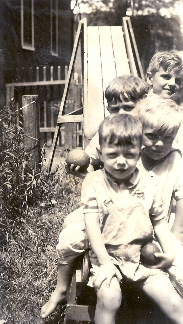 Obsession: Old FamilyPhotos